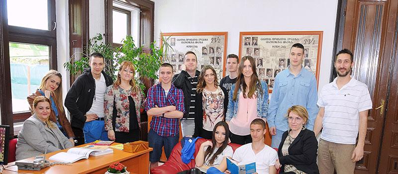 Nastavnici i učenici Elitne škole Novi Sad