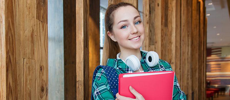 Redovno obrazovanje u Elitnoj privatnoj ekonomskoj školi i gimnaziji