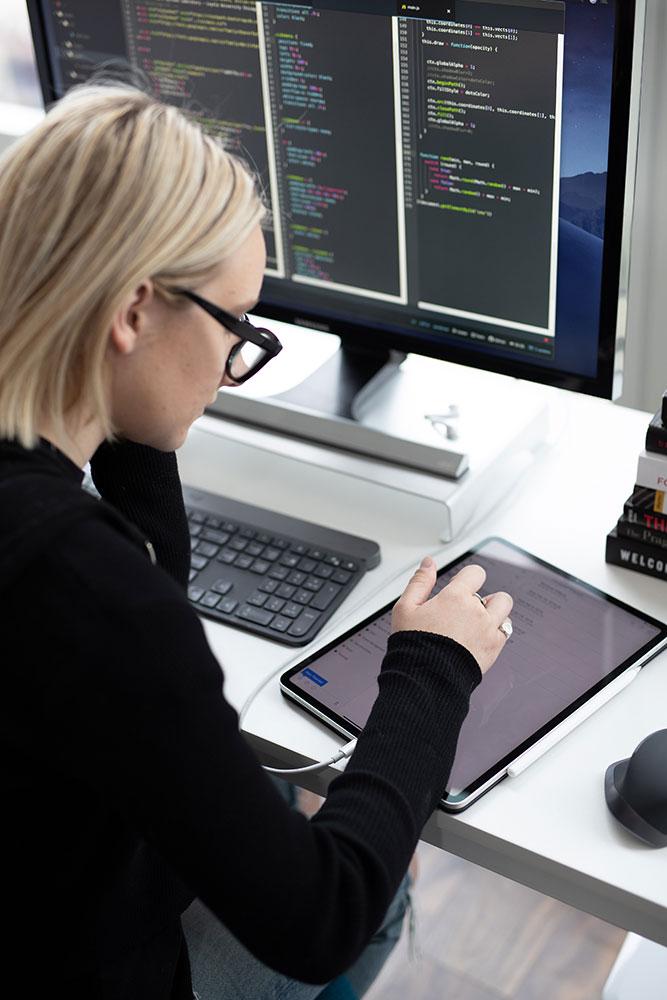 Koliko zarađuju žene u IT sektoru?