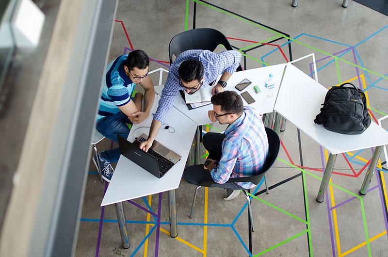 sastanci-i-projekti-u-it-firmi