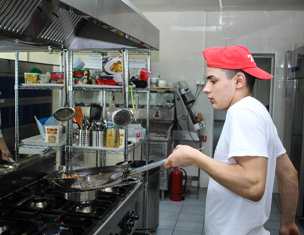 Da li želiš da postaneš kuvar ili konobar?