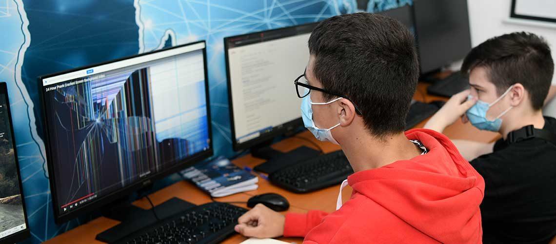 8 razloga zašto da vaše dete upišete u privatnu srednju IT školu